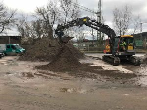 "Volvo ECR145EL with Dappen screening bucket ""B28-1200-60S-VW"""