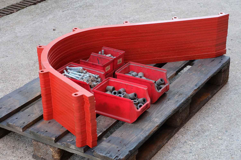 Dappen Werkzeug- und Maschinenbau | Produkte Dappen Verstellstangen für B44 - 80er Masche | Verstellstangen in rot mit Schrauben