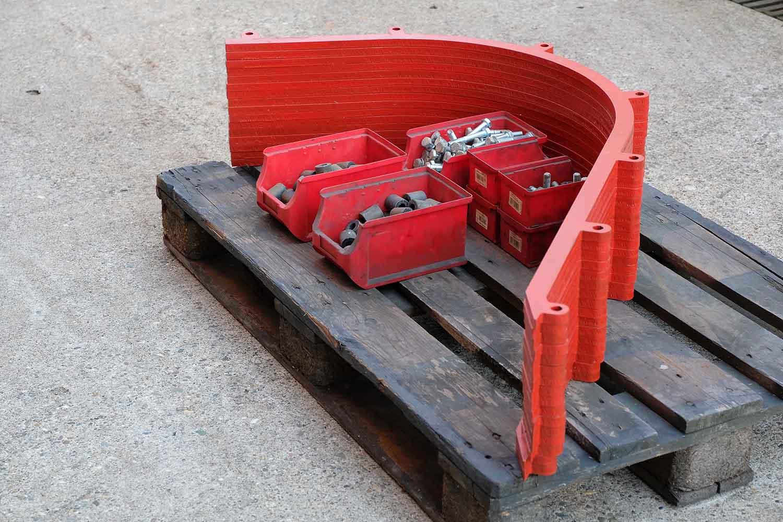 Dappen Werkzeug- und Maschinenbau | Produkte Dappen Verstellstangen für B44 - 80er Masche | Verstellstangen in rot mit Schrauben Bild 2
