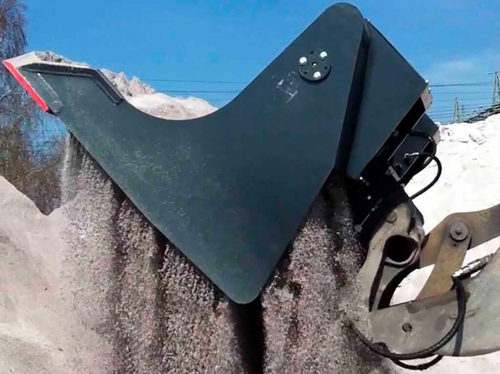 Dappen Werkzeug- und Maschinenbau | Dappen Siebschaufel im Einsatz | Dappen Siebschaufel Radladerschaufel siebt Sand Bild 5