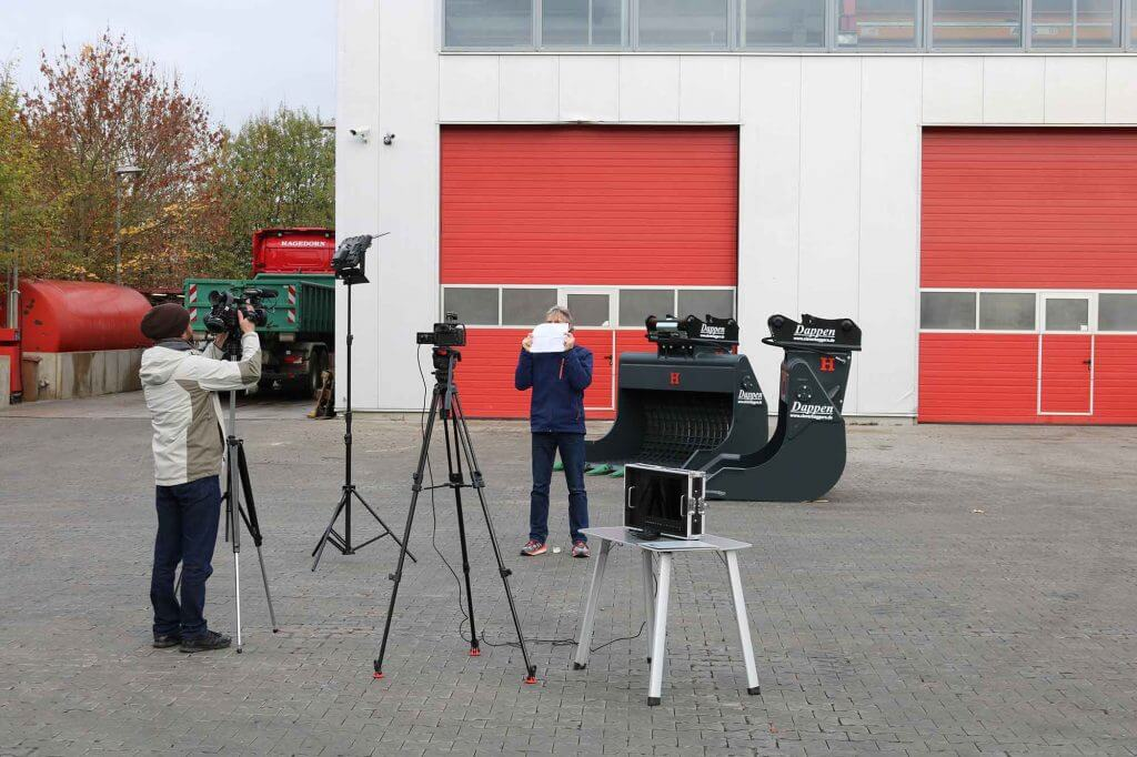 Dappen Werkzeug- und Maschinenbau | Video shoot | Set for video shoot with screening buckets and adapter plates