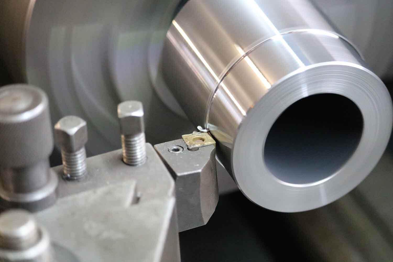 Dappen Werkzeug- und Maschinenbau | Zerspanungsmechaniker/in (m/w/d) gesucht | Detailansicht von Schrauben